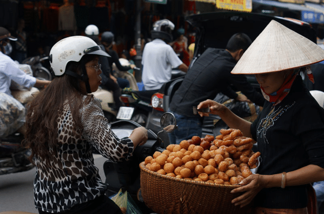 Eating Cheaply While Traveling is a Way of Life